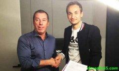 安德莱赫特官方宣布科特赖克中场马卡连科将在今年夏天加盟