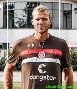 圣保利签下了海伦芬前锋亨克・费尔曼(Henk Veerman)
