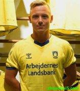 布隆德比租借了汉诺威96中场乌费-贝克(Uffe Bech)