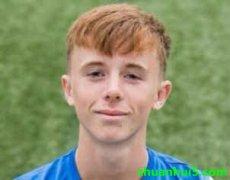 基马诺克官方宣布16岁青训球员利亚姆-史密斯加盟曼城