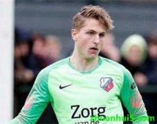 乌德勒支官方宣布荷兰年轻门将范萨斯(Mikki van Sas)将加盟曼城