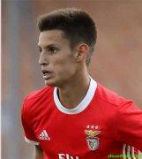 拜仁慕尼黑官方宣布正式租借本菲卡19岁中场小将蒂亚戈-丹塔斯一年