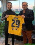 姆洛克流浪官方宣布爱尔兰球星杰克-伯恩转会加盟希腊人竞技